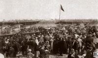 Ligação Aérea Portugal-Macau. Sarmento de Beires, Brito Pais e a redenção do Império