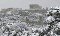 Vaga de frio deixa Acrópolis sob um manto de neve