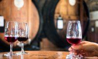 França. Sete detidos por roubo de vinho no valor de um milhão de dólares